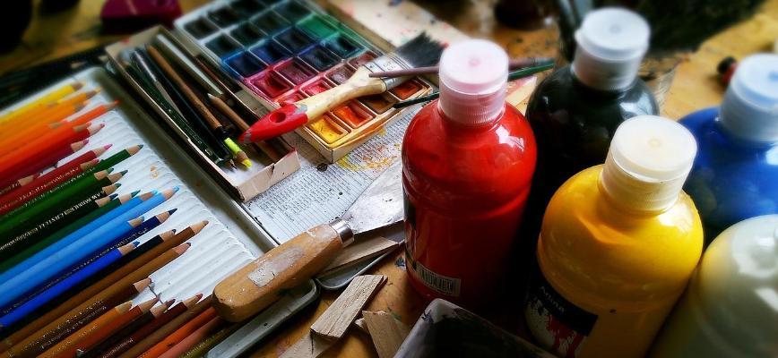 commissioning art