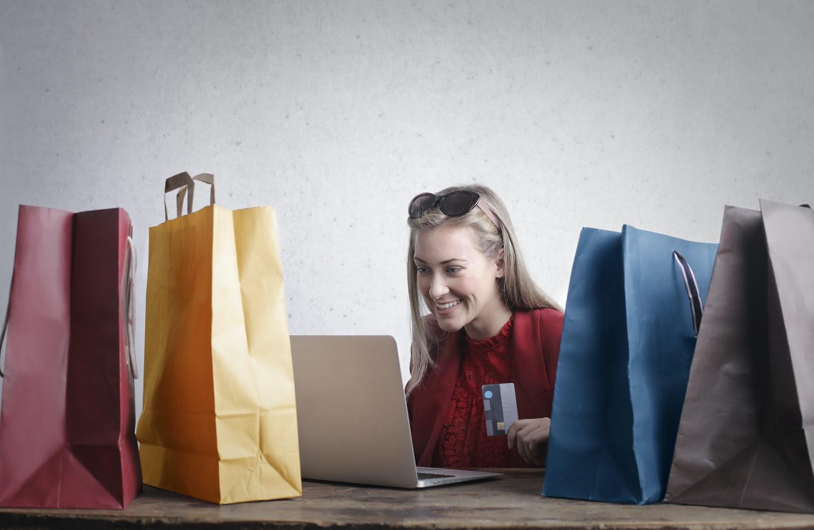 women-online-shopping-on-laptop