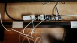 dangers-of-power-strip-in-the-home